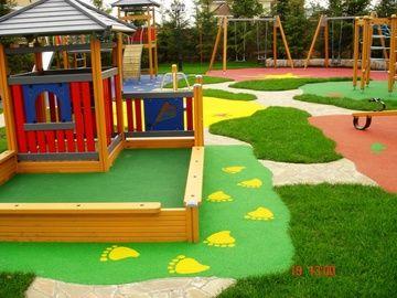Применение искусственной травы на детских и игровых площадках